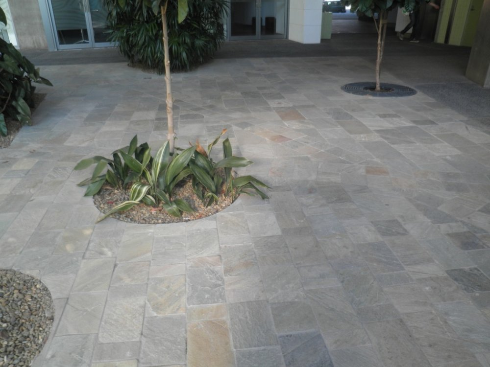 Bella Oro Quartz paving.JPG