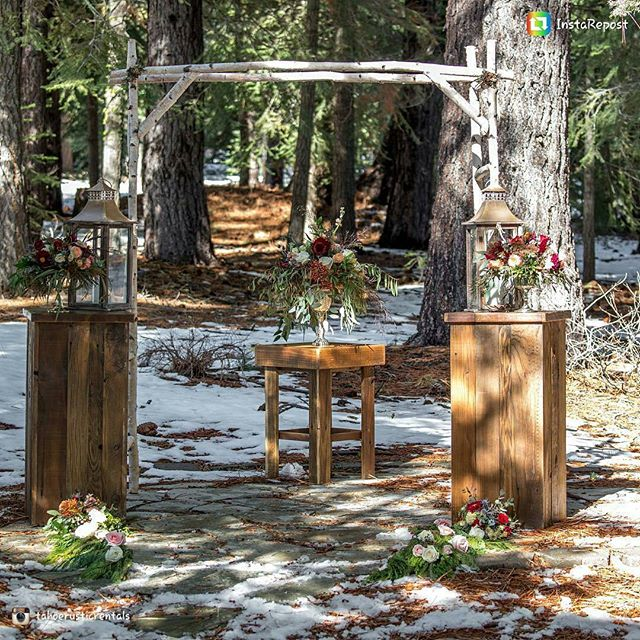 I love @tahoerusticrentals and all of their #fabulous rental items. They have so many fun things to customize a #Tahoewedding. Here are a few of my floral designs with some of their rustic pieces. 💗 📸@dronepromotions  #loveandlupinesbride #mountainwedding #rusticvibes #tahoe #tahoeflorist #truckeewedding #truckeeflorist