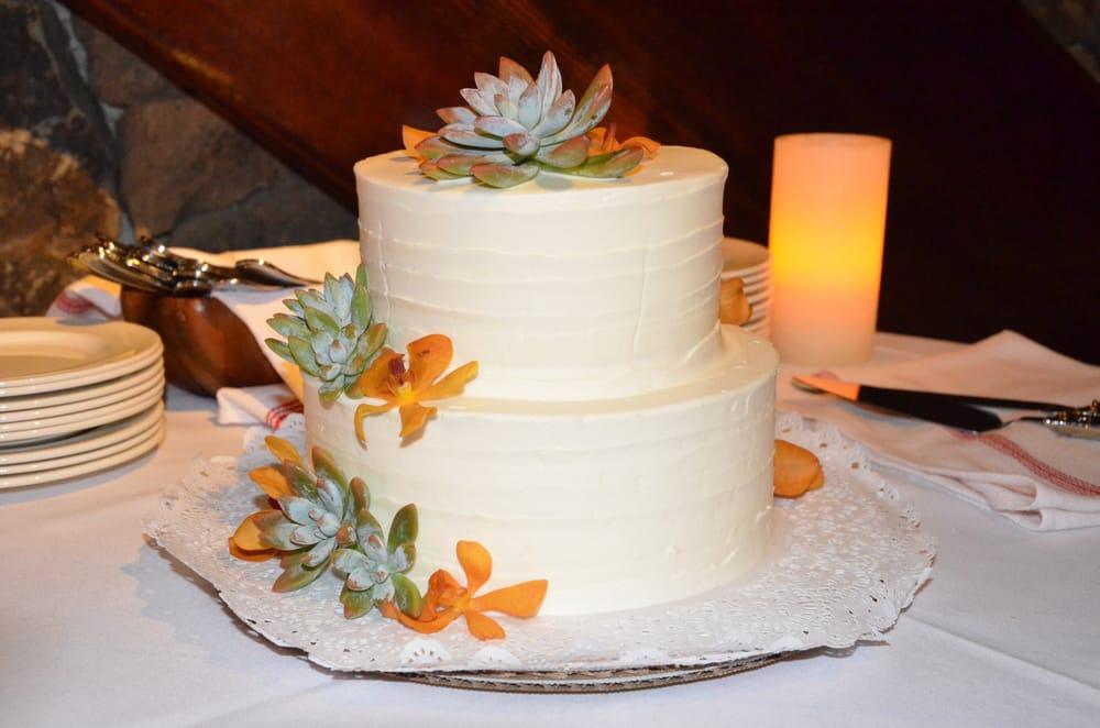 maui-wedding-cakes-baker-desserts-hawaii 3.jpg