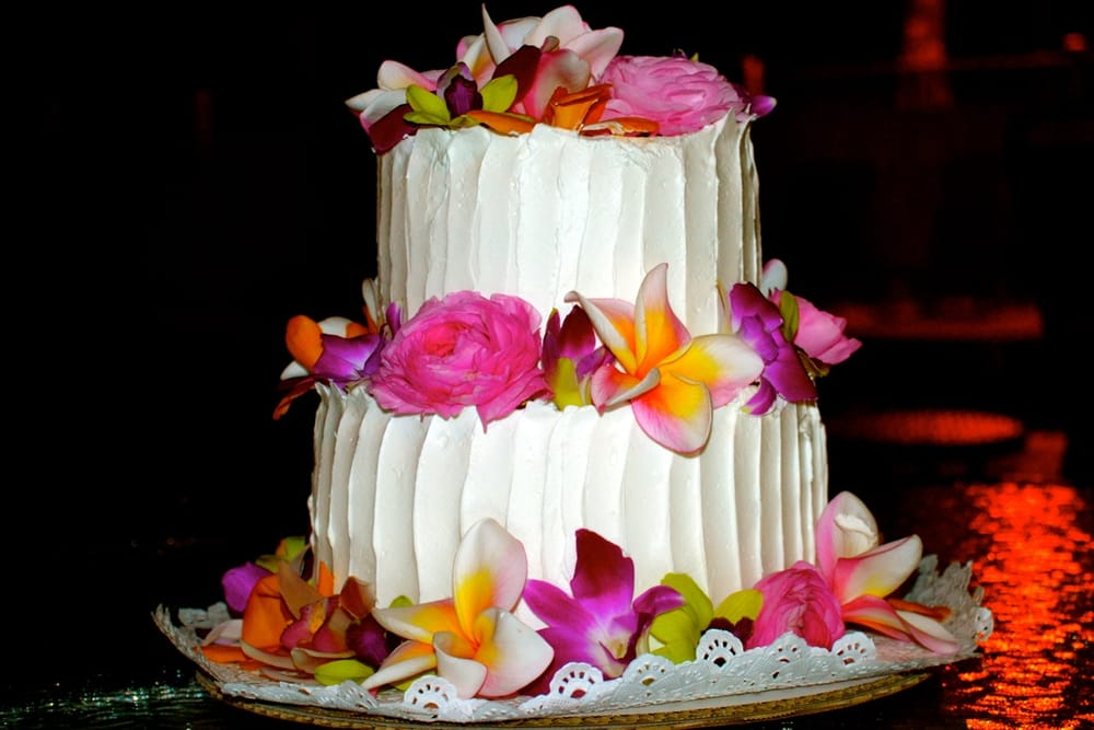 maui-wedding-cakes-baker-desserts-hawaii.jpg