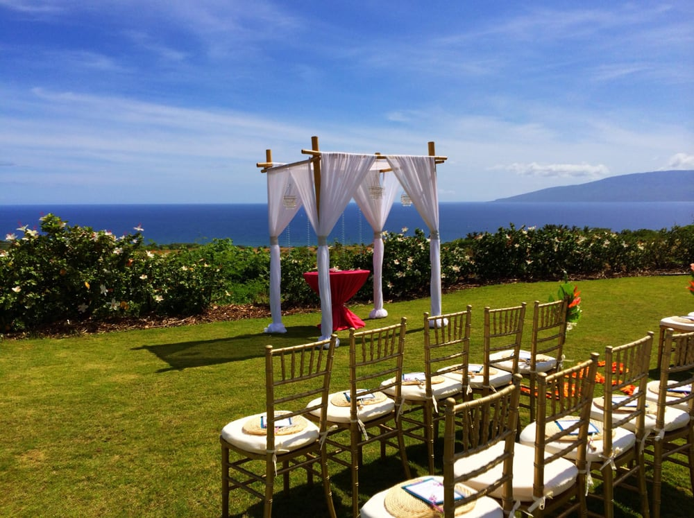 paradise-event-equipment-rentals-decor-for-weddings-in-maui-hawaii.jpg