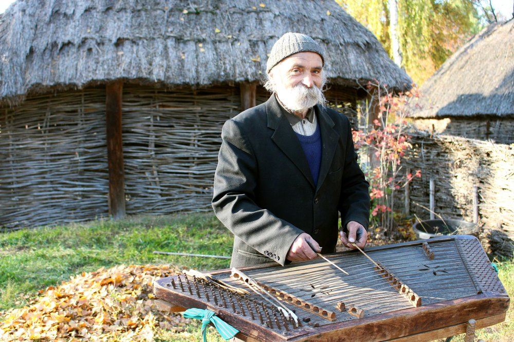 Myroslav played a few tunes for us on the tsymbaly .