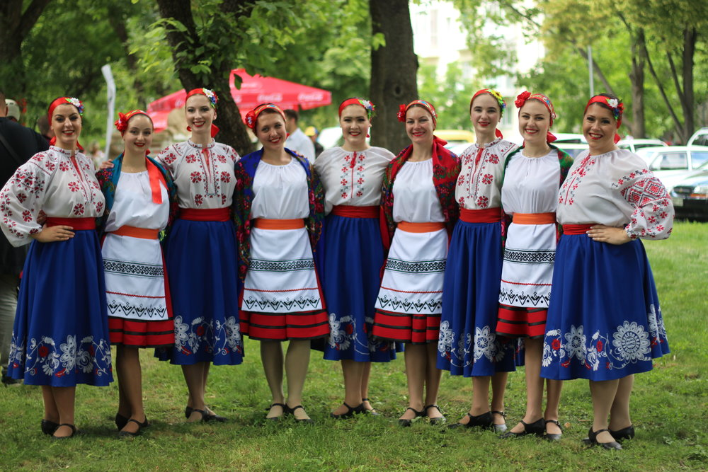 The Poltava Ensemble ladies and Ensemble Kukurudza. Photo by  Cobblestone Freeway Tours .