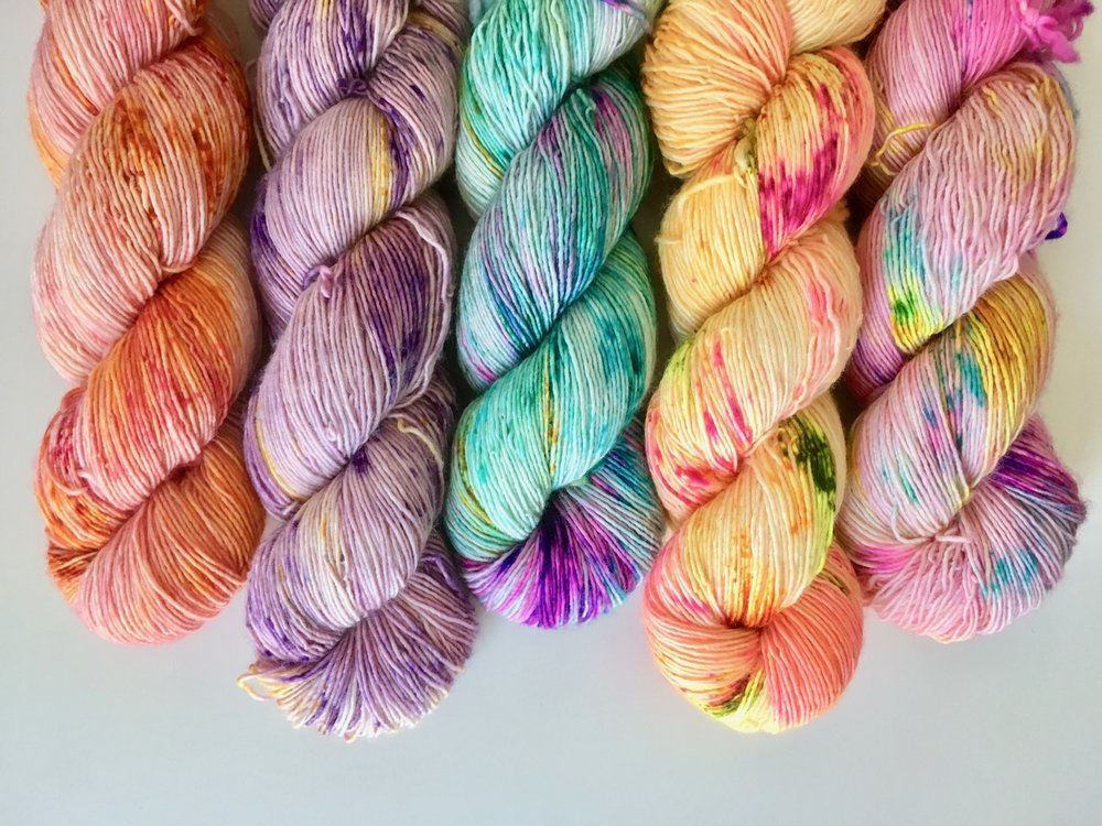 - single: 100% superwash merino wool; single ply | 400 yds per 100g | 7-8 sts per inch on US 1-3 needlesThis single-ply merino yarn is wonderfully soft and plush, making it a real treat to work with. With a high twist, it produces lovely stitch definition and is perfect for accessories, shawls, and light-weight garments.Regularly stocked in the shop