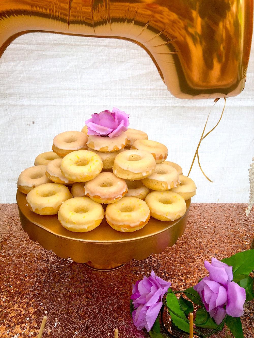 lemon & vanilla donuts with glaze
