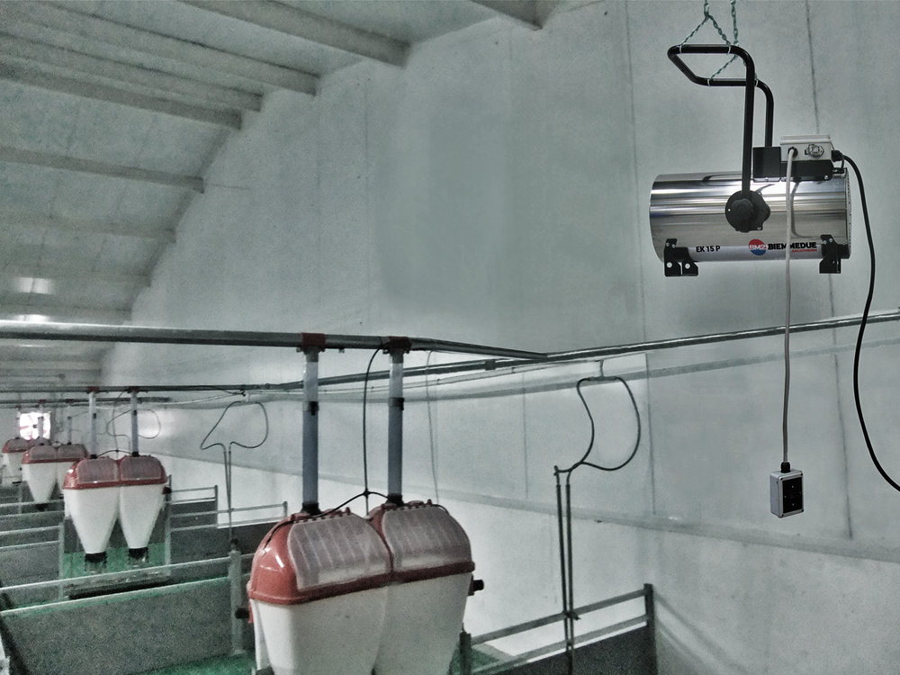 GENERATORI_MOBILI_DI_ARIA_CALDA_PER_ALLEVAMENTO_E_SERRE_AGRICOLTURA_A_CORRENTE_ELETTRICA_ELECTRICAL_MOBILE_SPACE_HEATERS_FOR_AGRICULTURE_AND_BREEDING_5.jpg