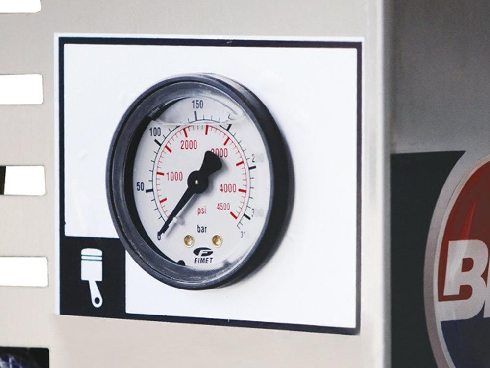 IDROPULITRICI STAZIONARIE PROFESSIONALI AD ACQUA FREDDA PROFESSIONAL STATIONARY COLD WATER HIGH PRESSURE CLEANERS 5.jpg