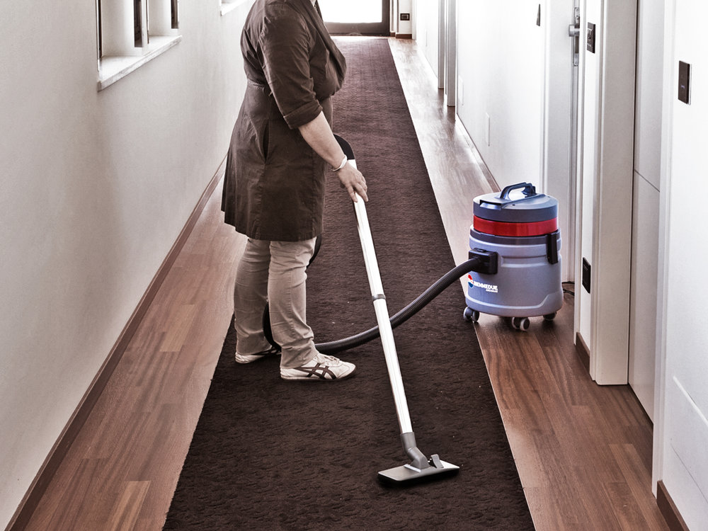ASPIRAPOLVERE_ASPIRALIQUIDI_A_1_MOTORE_PER_USO_PROFESSIONALE_IN_CASA_O_LAVORO_SINGLE_MOTOR_WET&DRY_VACUUM_CLEANERS_FOR_PROFESSIONAL_USE_AT_HOME_OR_WORK_2.jpg