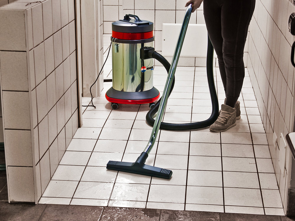 ASPIRAPOLVERE_ASPIRALIQUIDI_A_1_MOTORE_PER_USO_PROFESSIONALE_IN_CASA_O_LAVORO_SINGLE_MOTOR_WET&DRY_VACUUM_CLEANERS_FOR_PROFESSIONAL_USE_AT_HOME_OR_WORK_3.jpg