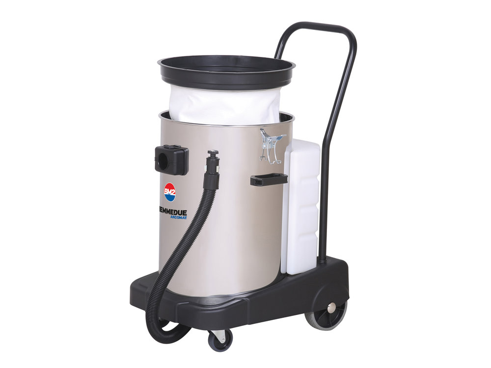 ASPIRAPOLVERE_ASPIRALIQUIDI_COMBINATI_CON_MACCHINA_A_INIEZIONE_ED_ESTRAZIONE_PER_AUTO_O_LIQUIDI_WET_&_DRY_VACUUM_CLEANERS_COMBINED_WITH_A_CARPET_OR_UPHOLSTERY_CLEANING_MACHINE_6.jpg