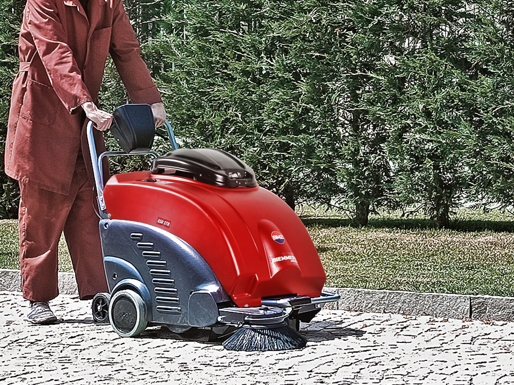 SPAZZATRICI_MOTORIZZATE_CON_FILTRO_A_PANNELLO_MOTORISED_VACUUM_SWEEPERS_WITH_PANEL_FILTER.jpg