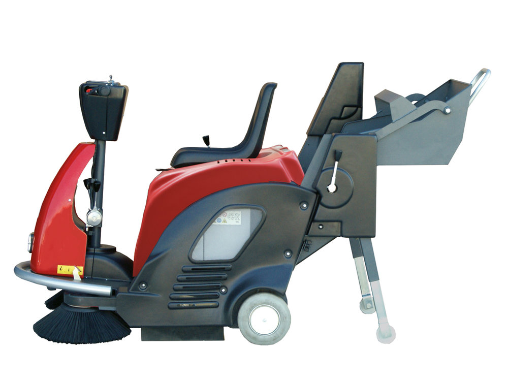 SPAZZATRICI_UOMO_A_BORDO_A_BATTERIA_RIDE-ON_BATTERY_POWERED_VACUUM_SWEEPERS_7.jpg
