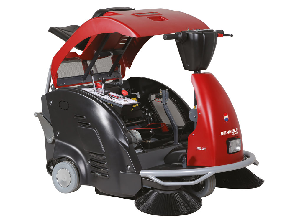 SPAZZATRICE_UOMO__A_BORDO_CON_MOTORE_A_SCOPPIO_RIDE-ON_PETROL_ENGINE_MOTORISED_VACUUM_SWEEPERS_6.jpg