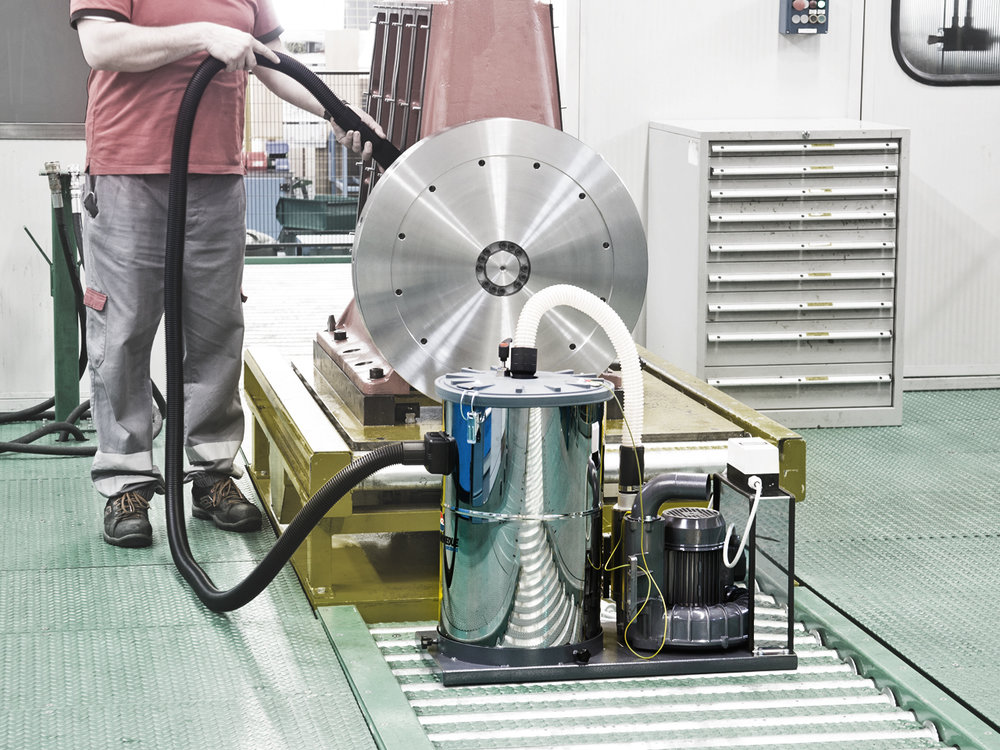 ASPIRATORI_INDUSTRIALI_FISSI_STATIONARY_INDUSTRIAL_VACUUM_CLEANERS.jpg
