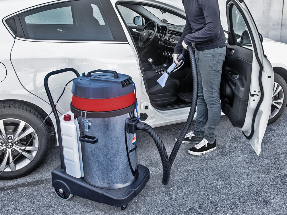 ASPIRAPOLVERE_ASPIRALIQUIDI_COMBINATI_CON_MACCHINA_A_INIEZIONE_ED_ESTRAZIONE_PER_AUTO_O_LIQUIDI_WET_&_DRY_VACUUM_CLEANERS_COMBINED_WITH_A_CARPET_OR_UPHOLSTERY_CLEANING_MACHINE_3.jpg