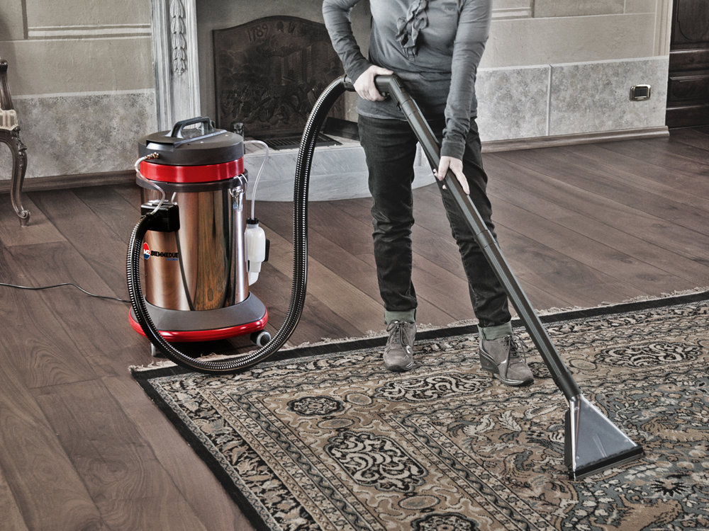 ASPIRAPOLVERE_ASPIRALIQUIDI_COMBINATI_CON_MACCHINA_A_INIEZIONE_ED_ESTRAZIONE_PER_AUTO_O_LIQUIDI_WET_&_DRY_VACUUM_CLEANERS_COMBINED_WITH_A_CARPET_OR_UPHOLSTERY_CLEANING_MACHINE_5.jpg