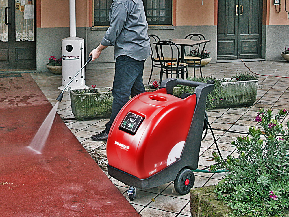 HIGH PRESSURE CLEANER SALLY BIEMMEDUE MADE IN I TALY PRODUCTS CLEANING.jpg