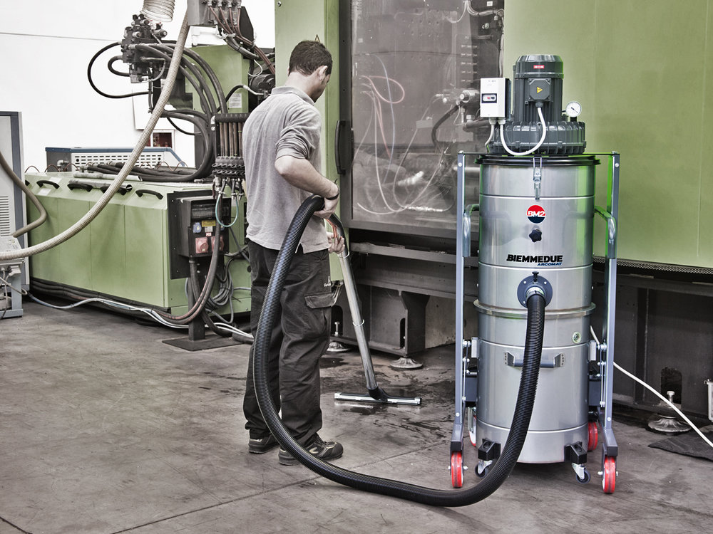 ASPIRAPOLVERE+INDUSTRIALE+DI+ROBUSTA+COSTRUZIONE+HEAVY+DUTY+INDUSTRIAL+VACUUM+CLEANERS+3.jpg
