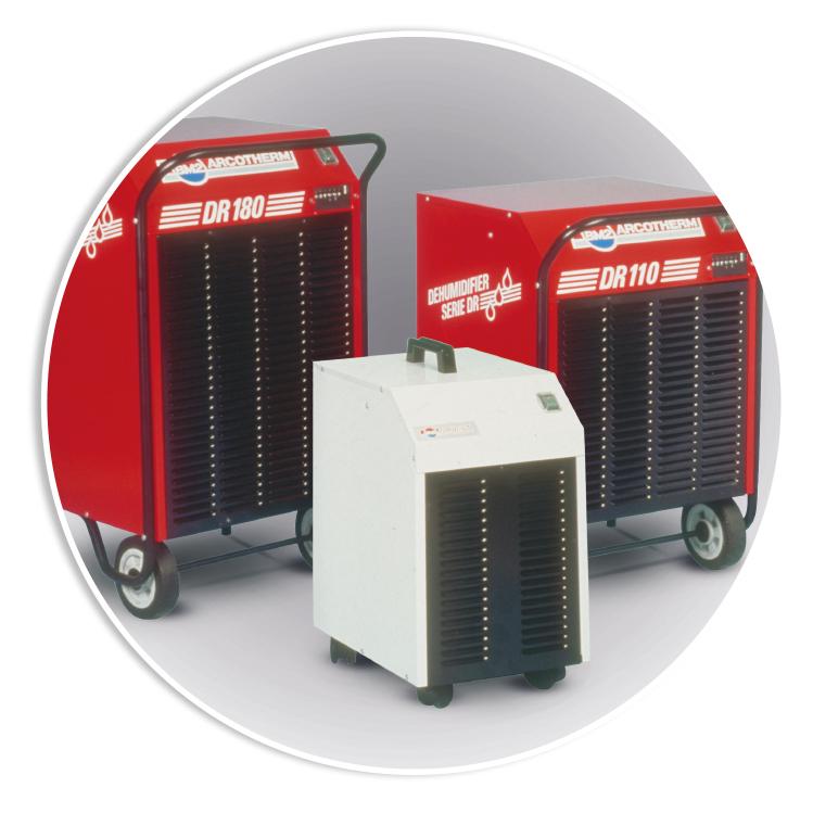 DEUMIDIFICAZIONE PROFESSIONALE - Ai generatori d'aria calda e alle idropulitrici, si affianca la produzione dei DEUMIDIFICATORI PROFESSIONALI
