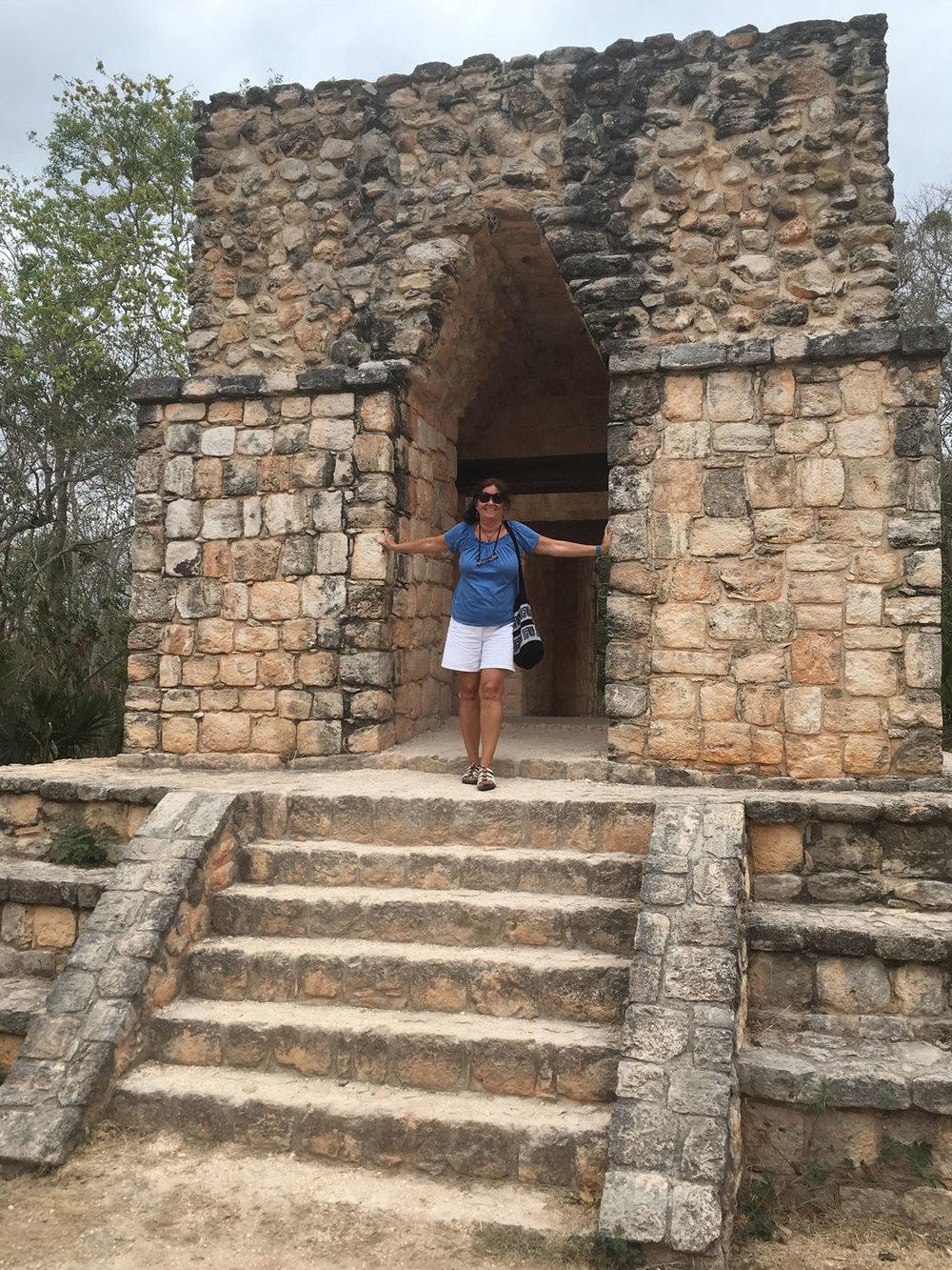Hammocks_and_Ruins_Blog_Riviera_Maya_Mexico_Travel_Discover_Explore_Yucatan_Pyramid_Temple_Ek_Balam_21.jpg