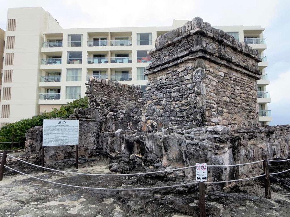 Hammocks_and_Ruins_Blog_Riviera_Maya_Mexico_Travel_Discover_Explore_Yucatan_Pyramid_Temple_Cancun_San_Miguelito_31.jpg