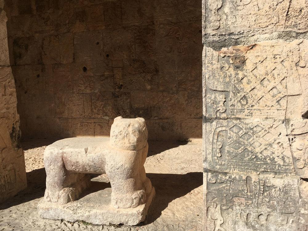 Jaguar throne, The Lower Temple of Jaguars.