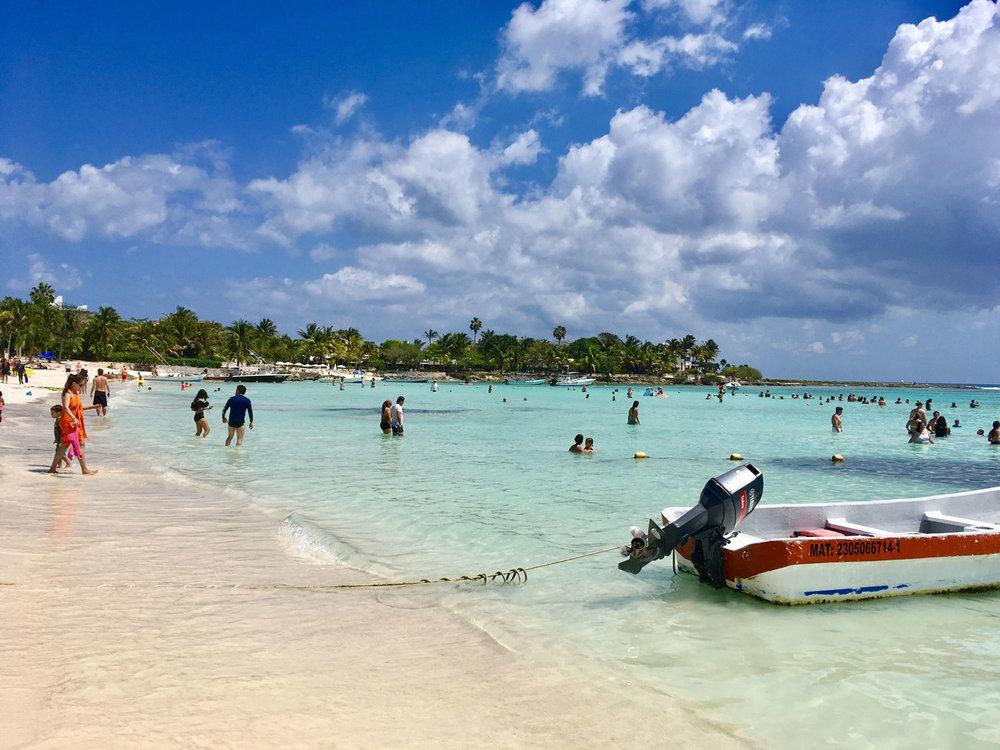 Hammocks_and_Ruins_Blog_Riviera_Maya_Mexico_Travel_Discover_Explore_Playa_del_Carmen_Beaches_Akumal_4.jpg