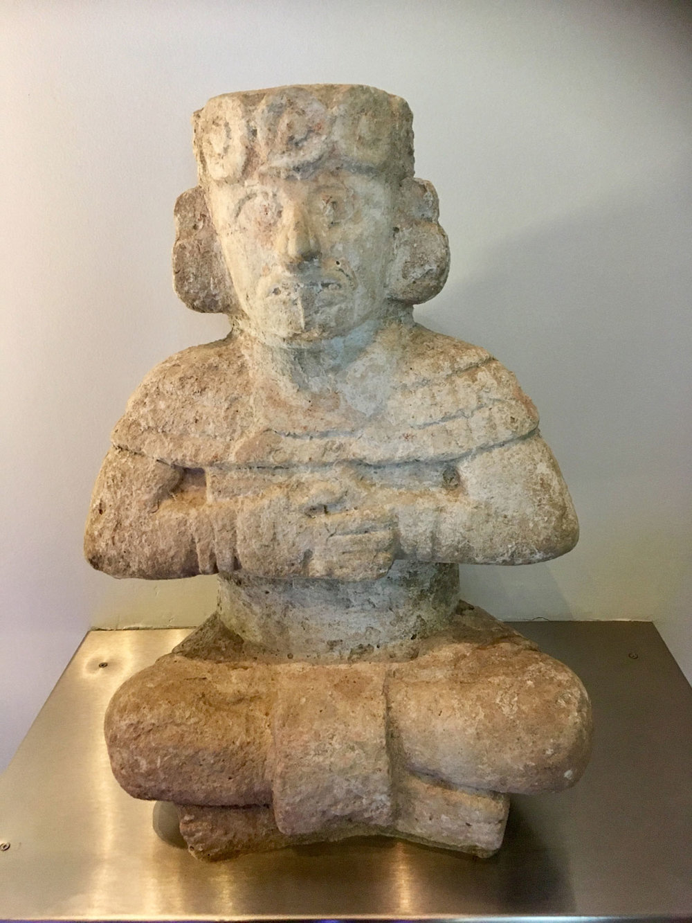Seated figure from Chichén Itzá (1000-1250 AD). A captain? A ruler?
