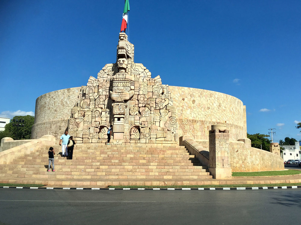 Monumento a la Patria.
