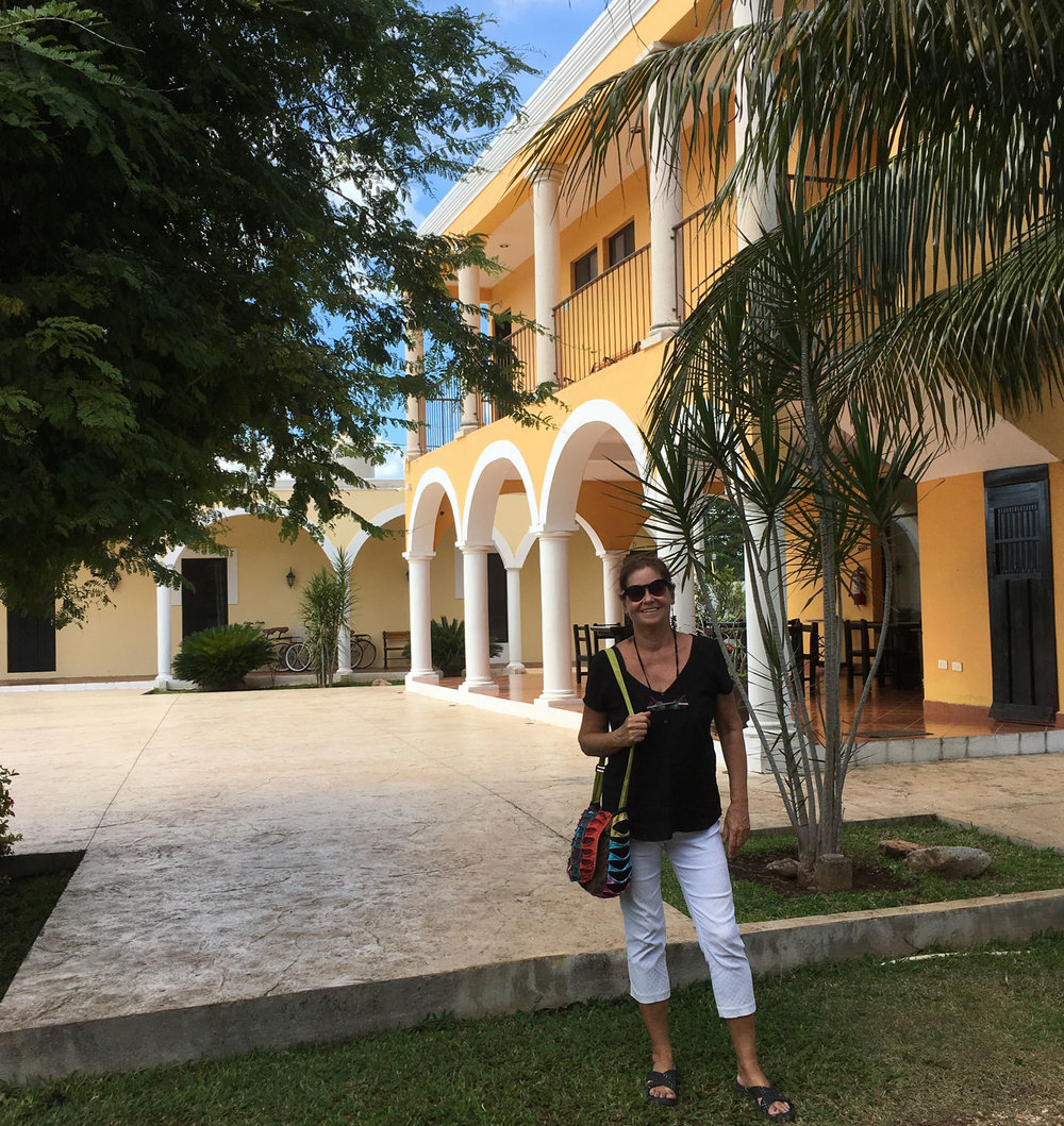 We visited Hacienda Izamal, built in a typical colonial style.