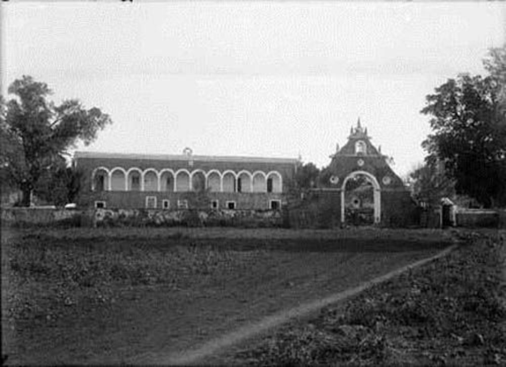The old hacienda.