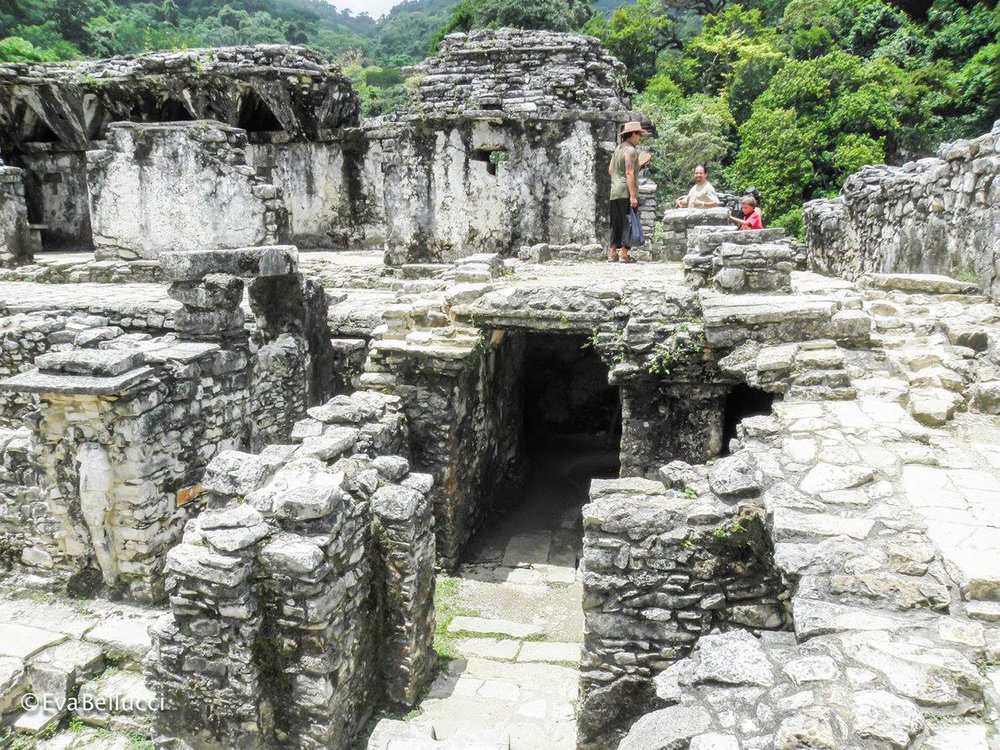 Hammocks_and_Ruins_Town_Villages_Chiapas_Lakes_Rivers_Jungles_Highlands_Ruins_Palenque_Maya_City_12.jpg