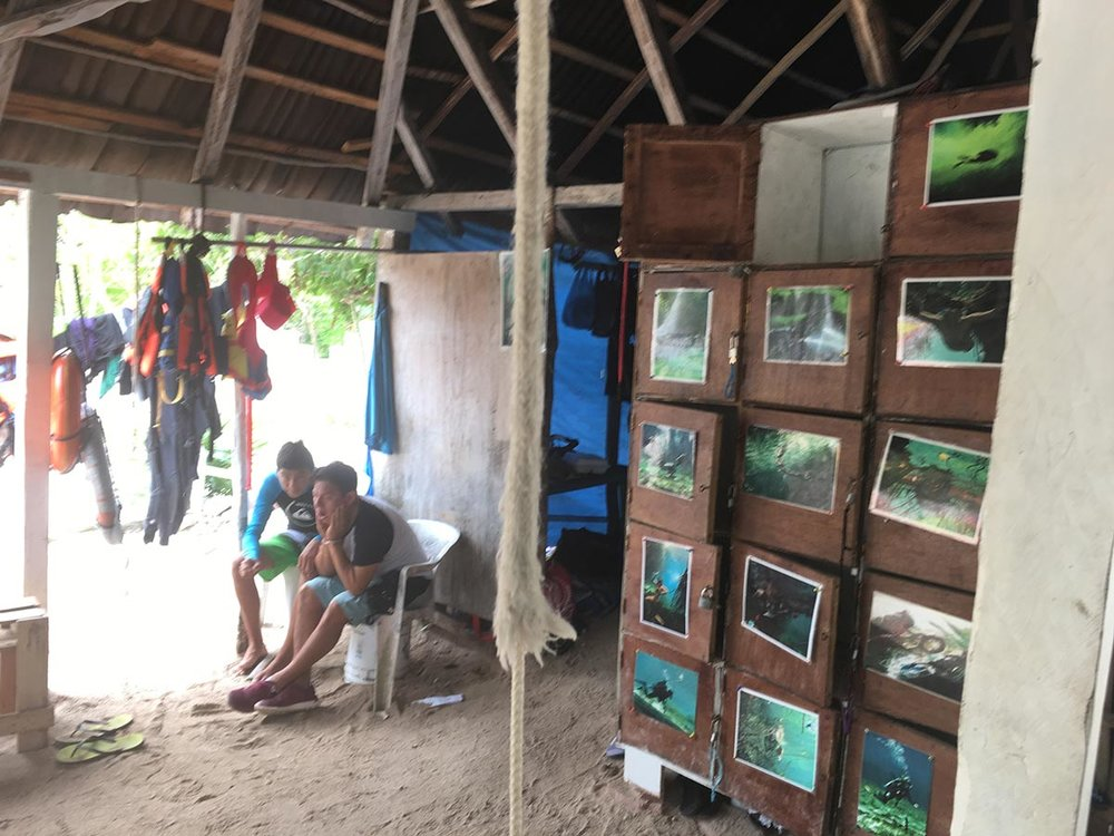 This hut by the cenote offers the cenote services.
