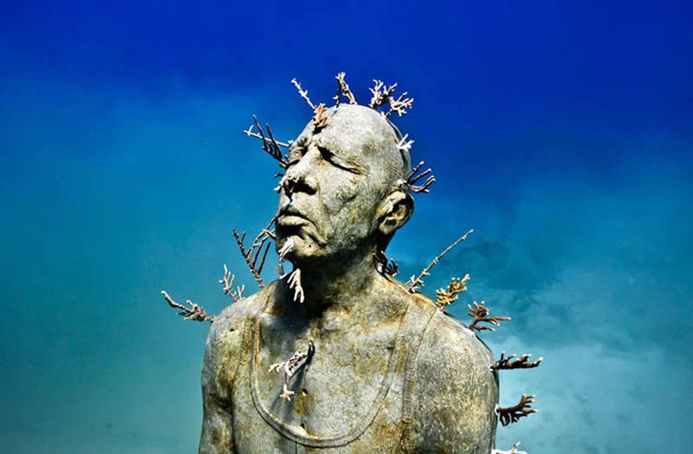 The Underwater Museum:  aquaworld.com.mx .