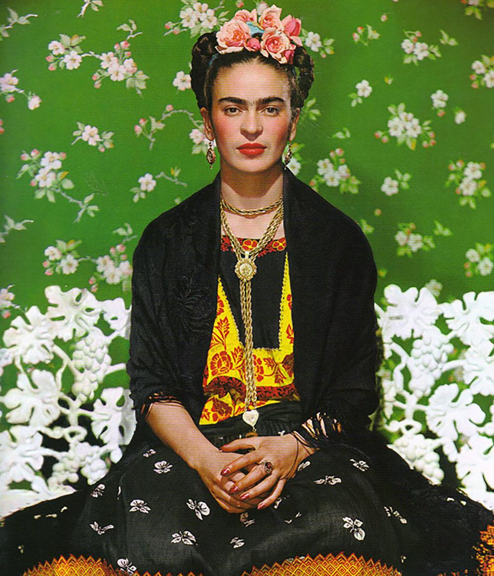 Nickolas Muray : Frida on White Bench, 1938. Frida and Nickolas had a 10-year on-and off affair.