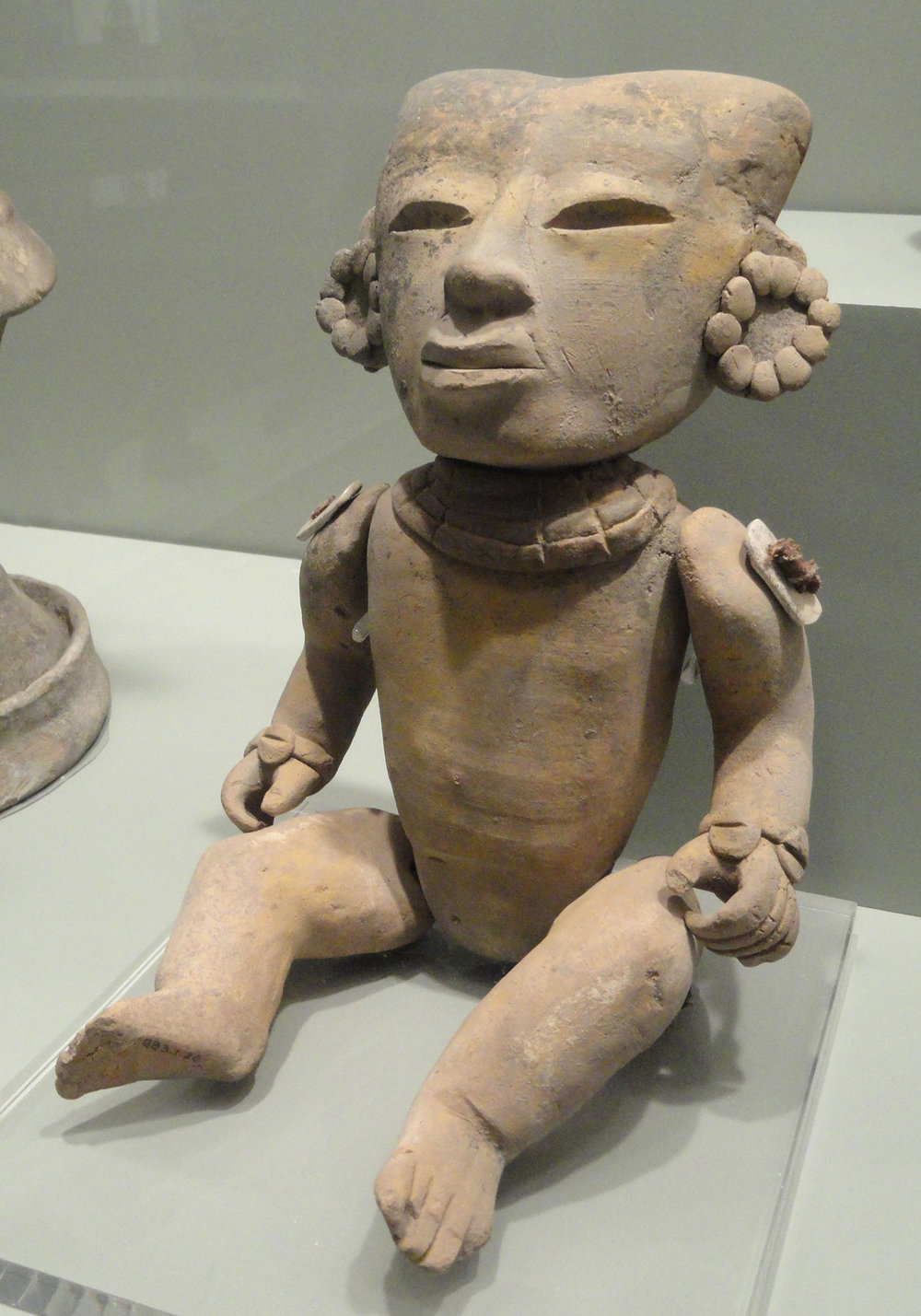 Human figure from Teotihuacán, 150-300 AD, now in Gardiner Museum, Toronto:  commons.wikimedia.org .