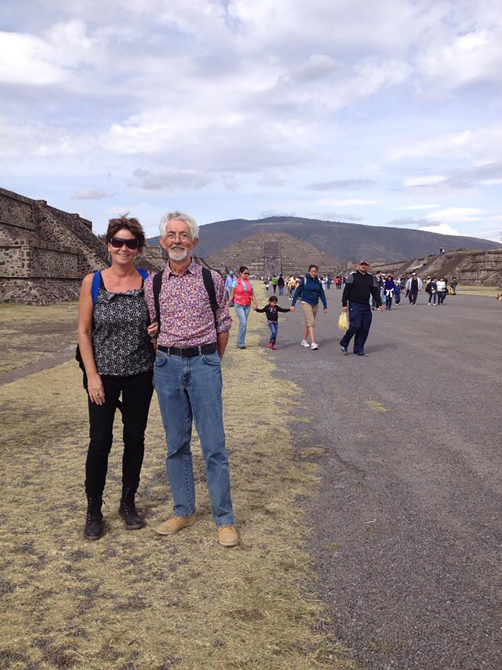 With my husband on the Avenue of the Dead (2014). The Pyramid of the Moon behind us, at the backdrop of the 'Fat Hill'.