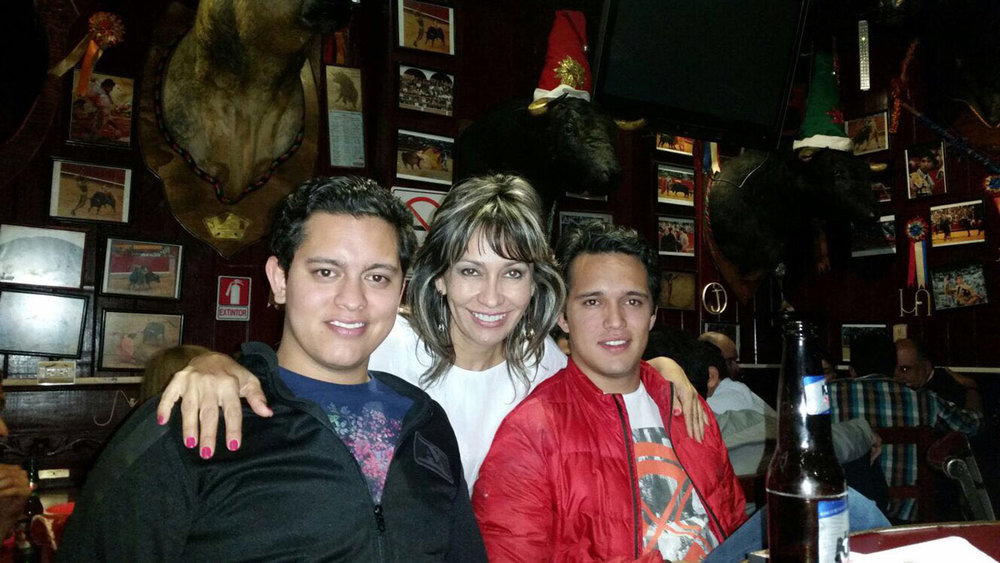 Claudia with her sons Alejandro and Fernando in Querétaro.
