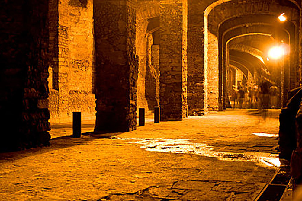 Tunnels of the city:  en.wikipedia.org .