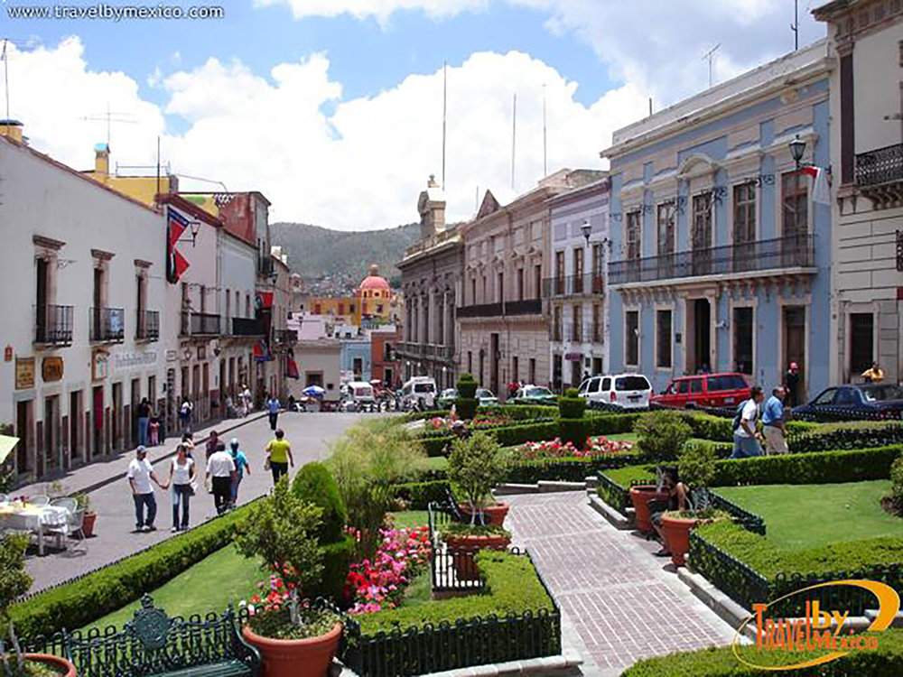 The Plaza of Peace:  en.travelbymexico.com .