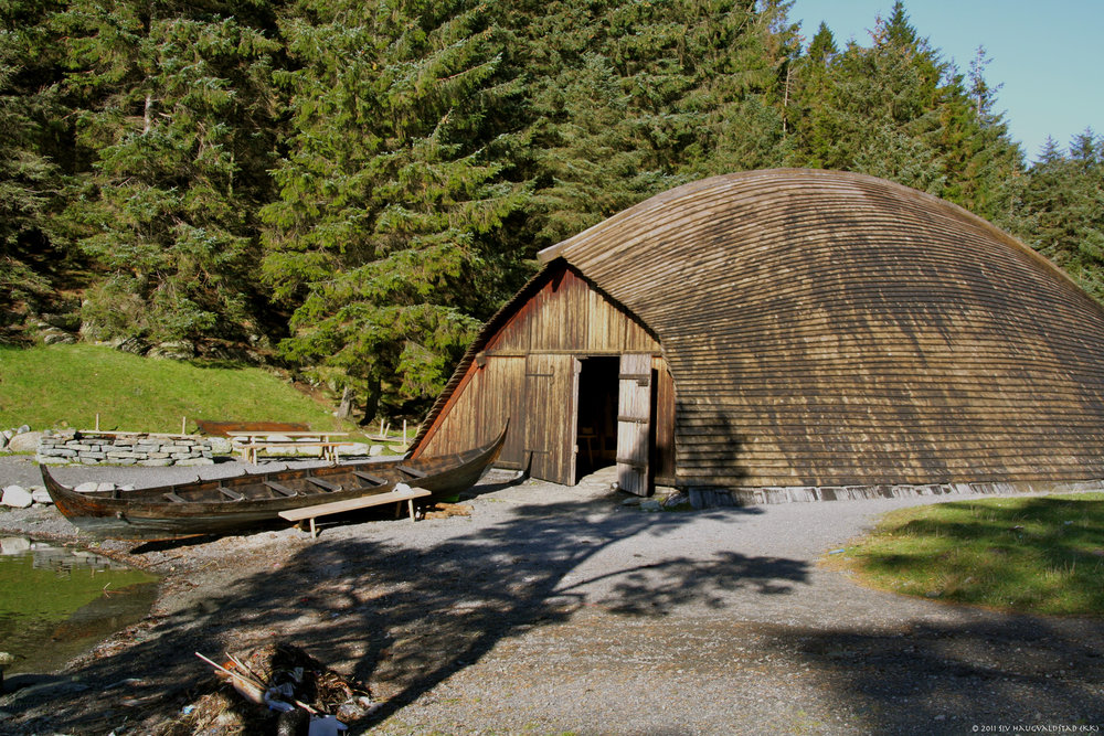 Boat house for a Viking warship. Viking Farm, Avaldsnes Photo Karmøy Kulturopplevelser.jpg
