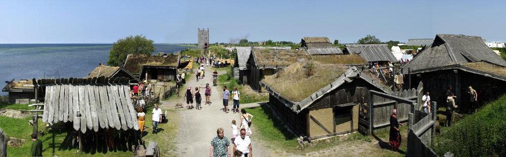 Vikingastaden panorama_medelstor.jpg