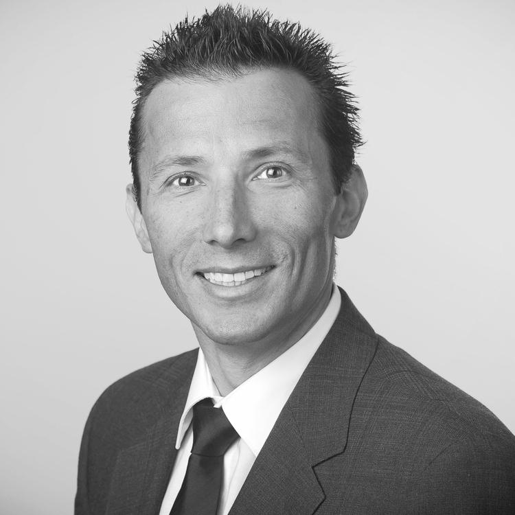 Daniel Dettwiler   Chief Meetup-Bouncer   LinkedIn  -  Twitter