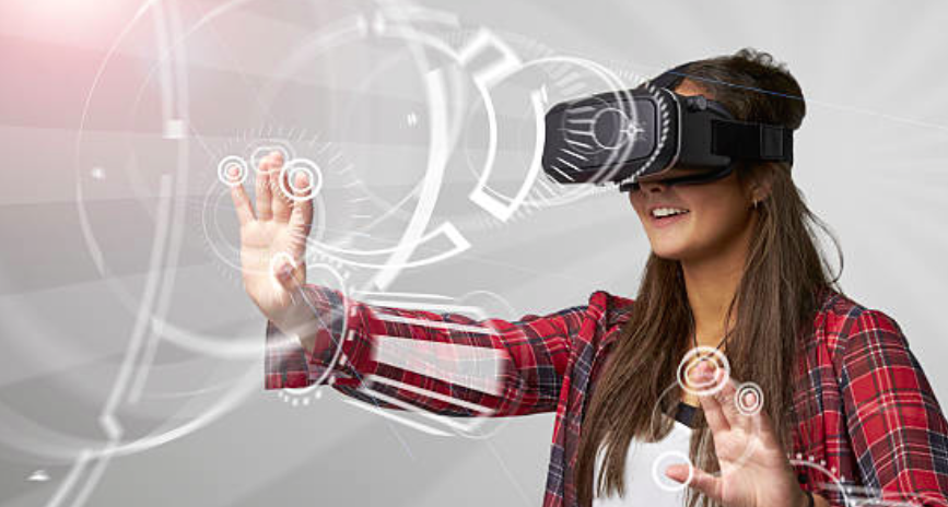 VR girl.png