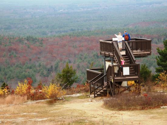Mount Agamenticus hawkwatch platform. Photo source: www.tripadvisor.com