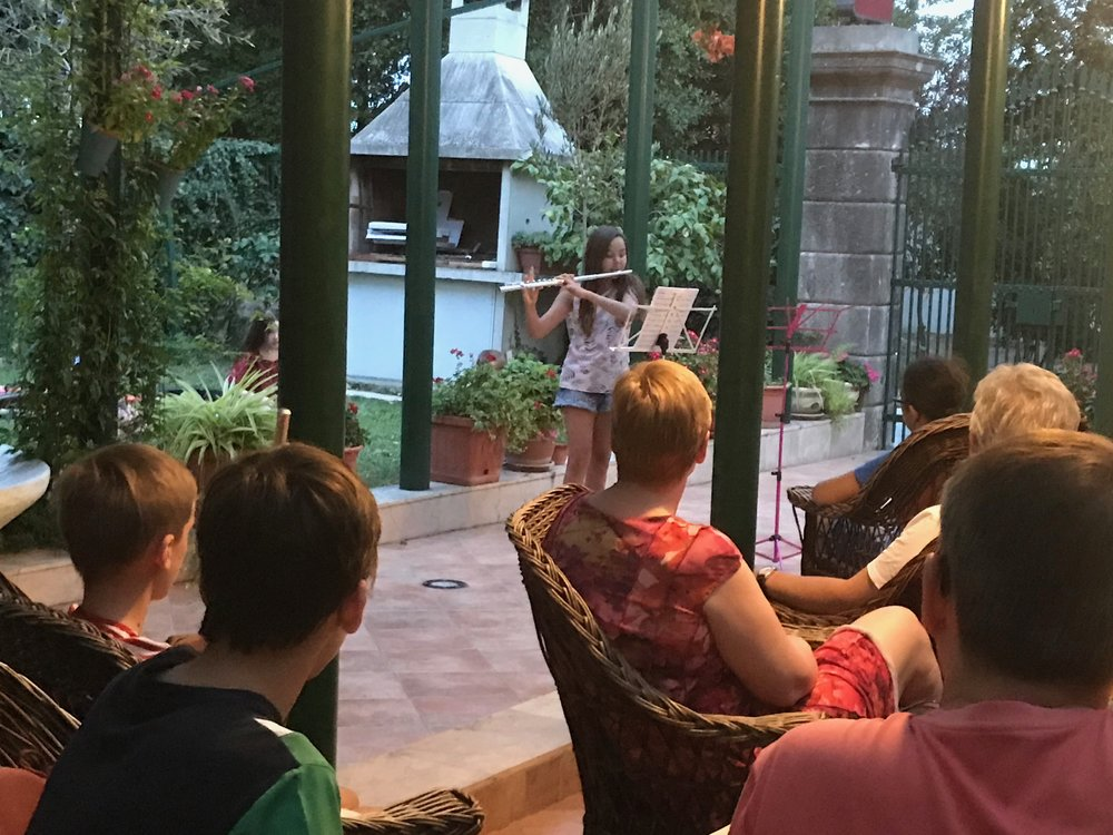 Pizza concert at Villa Soulavy
