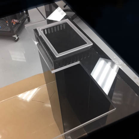Internal Overflow Box - Internal overflow boxes are ideal when there is not enough room behind the aquarium to have an external overflow box