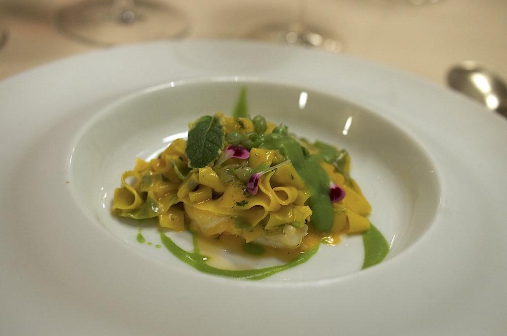 位于佛罗伦萨的米其林三星餐厅Enoteca Pinchiorri的这道意大利面是卷儿这次意大利之行里吃过最好吃的意大利面!