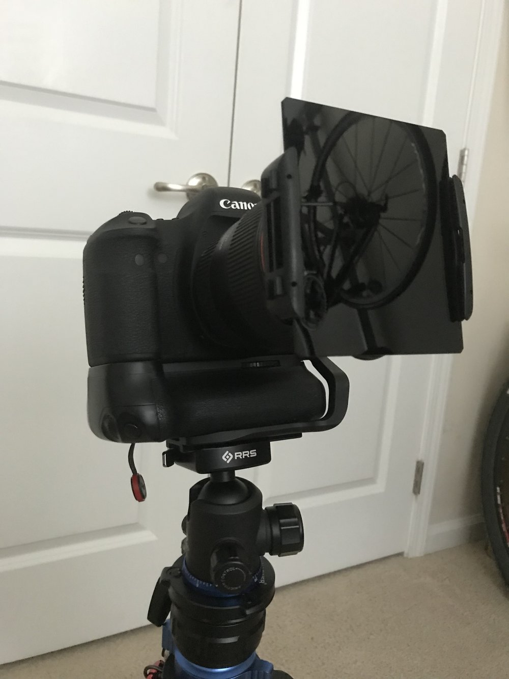 Here's my setup. I use square filters. I use a Colin filter holder with a Haida 10 stop ND filter.