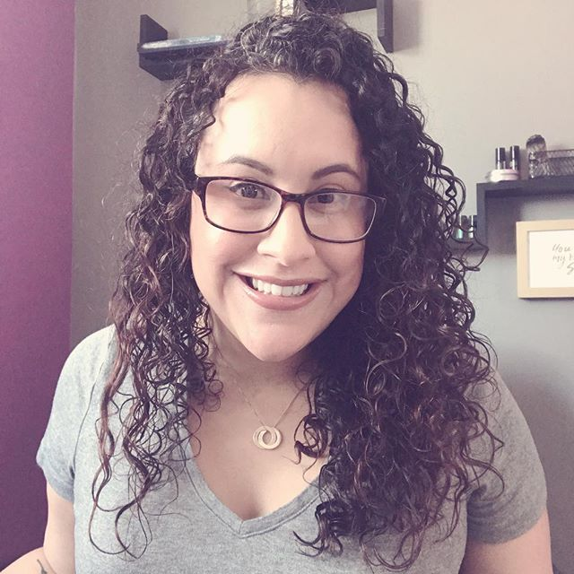 It's Monday 🙌🏼🙌🏼 and I'm rocking these #curls, like I'm rocking my day! Done, done, done! 🙌🏼 . . 🖊 Catching up with clients that were on pause during my leave! . 🖊 Transferring over March plans over to @trelloapp! . 🖊 Finalizing my new branding! Woot! All the pretty colors! 😍 . 🖊 Then going live in my FB group, The Aligned Biz Collective chatting about all the thangs I've learned these last few months and how it's shaping my new reality in business and as a momma to 3️⃣! . . Join me in this beautiful space by clicking the link in my Bio! ☝🏼 . . What are your plans for today?? Go kick some ass this beautiful Monday!